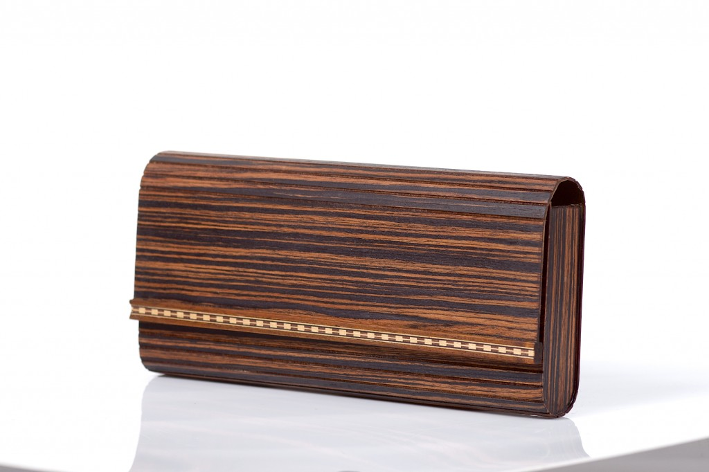 Clutch bag Wooditbe - makassar dark veneer
